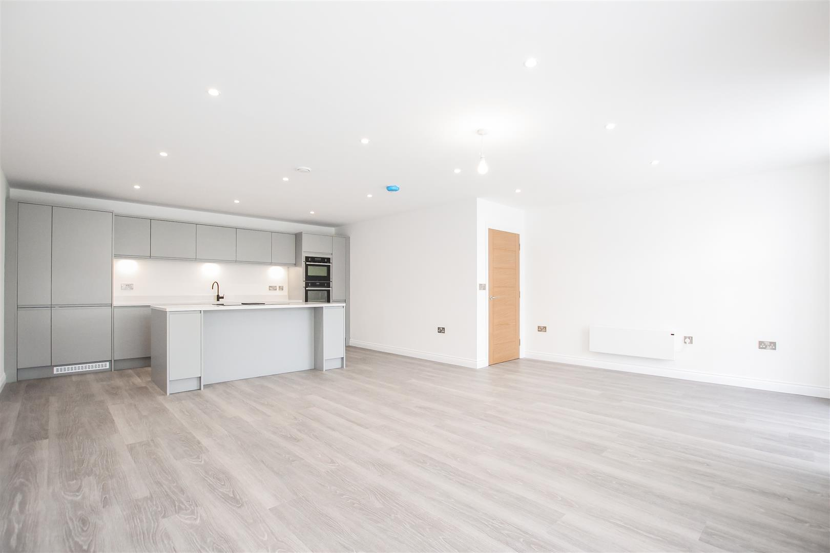 2 Bedroom Apartment For Sale - Image 39